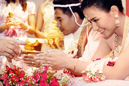 bride and groom in thai wedding